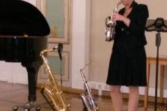 Musikalische Unterhaltung mit Saxofonistin